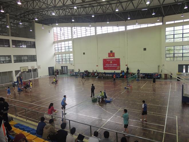 Thành tích của đội tuyển cầu lông giáo viên trường THPT Nhân Chính