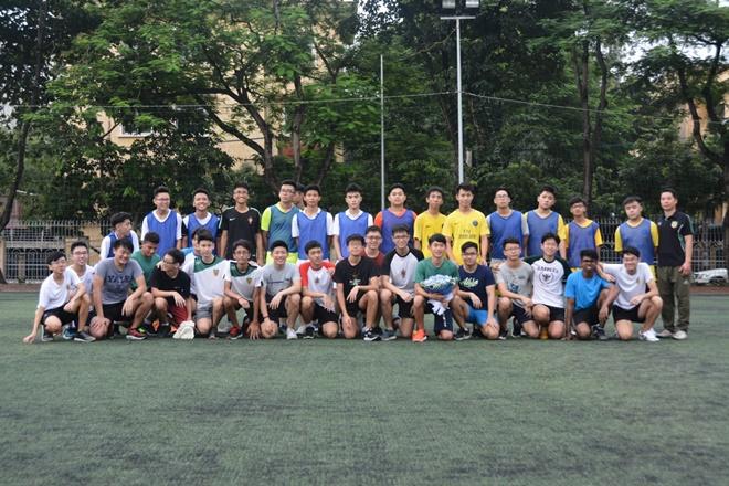 Giao lưu thể thao với đoàn học sinh trường Raffles Institution
