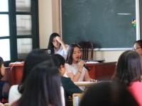 Khi lớp học trở thành Sân khấu phê bình văn chương