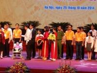 Nguyễn Vũ Thu Hiền được vinh danh gương mặt trẻ Thủ đô tiêu biểu năm 2014