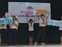 Học sinh Nguyễn Tất Thành với tháng An toàn giao thông
