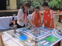 Cuộc đua tranh của những tài năng lắp ráp Robot - Ngày hội STEM cấp trường năm 2017