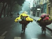 Hà Nội mùa xuân - lất phất mưa bay trong cái lạnh còn vương