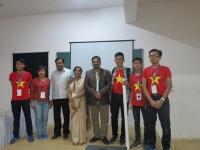 Màu áo trường Nguyễn Tất Thành mang niềm tự hào tới đất nước Ấn Độ