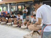 Khám phá làng gốm Bát Tràng cùng Raffles Institution