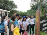 Đoàn học sinh và giáo viên AJC tham quan Bảo tàng Dân tộc học Việt Nam