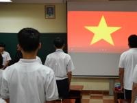 Giờ chào cờ: Giới thiệu CLB Tổ chức sự kiện, CLB Giao tiếp và CLB Tiếng Anh