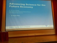 Tự tin báo cáo tại Hội nghị nghiên cứu và triển lãm khoa học quốc tế