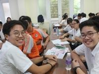 Đoàn học sinh trường Raffles và buổi tham gia học văn hóa cùng học sinh trường Nguyễn Tất Thành